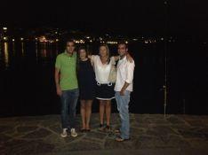 Mamá, hermanos y yo