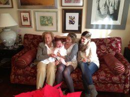 Mi abuela, mi madre, Julio y yo